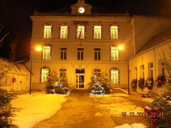 Hotel de ville sous la neige